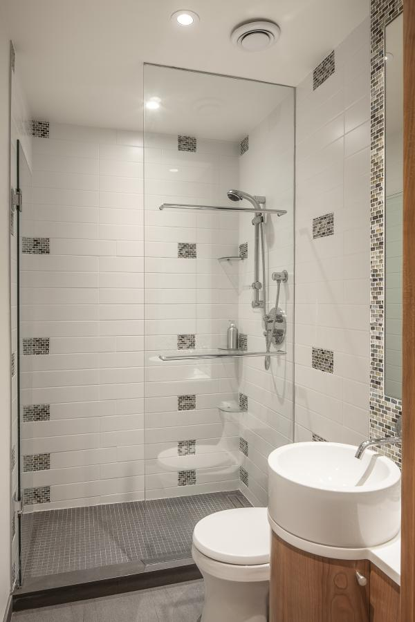 View of the bathroom shower enclosure (photo: Steven Evans Photography)
