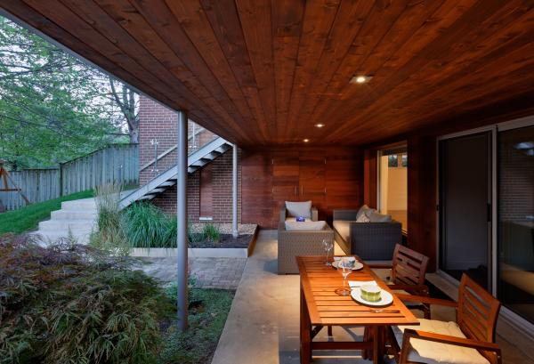 The lower covered deck (photo: Peter Legris Photography)