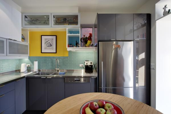 Collections nested in the kitchen (photo: Peter Legris Photography)