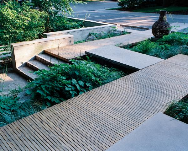View showing the lower garden and ravine edge (photo: Peter Legris Photography)