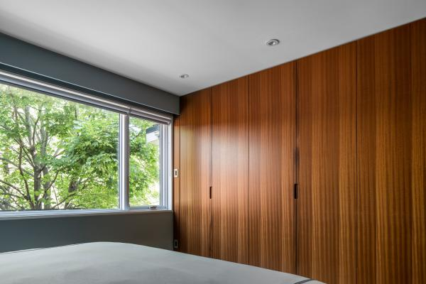 Master bedroom storage wall (photo: Steven Evans Photography)