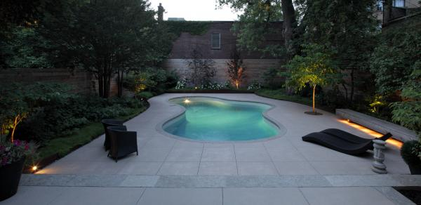 The pool in the evening (photo: Peter Legris Photography)