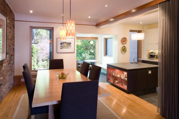 Dining room (photo: Peter Legris Photography)